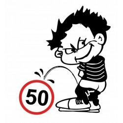 NAKLEJKA CHŁOPAK OLEWAJĄCY OGRANICZENIE PRĘDKOŚCI 50km/h